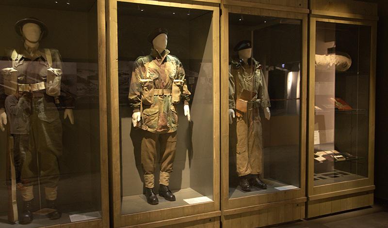 flexible museum mannequins